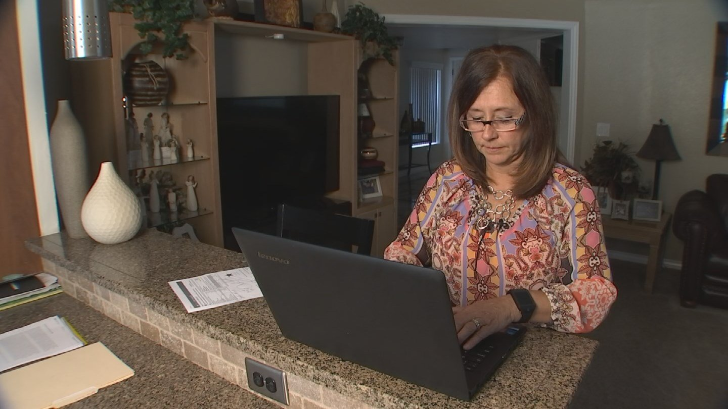 Elizabeth Ford discovered fraudulent charges but it wasn't easy disputing them (Source: KPHO/KTVK)