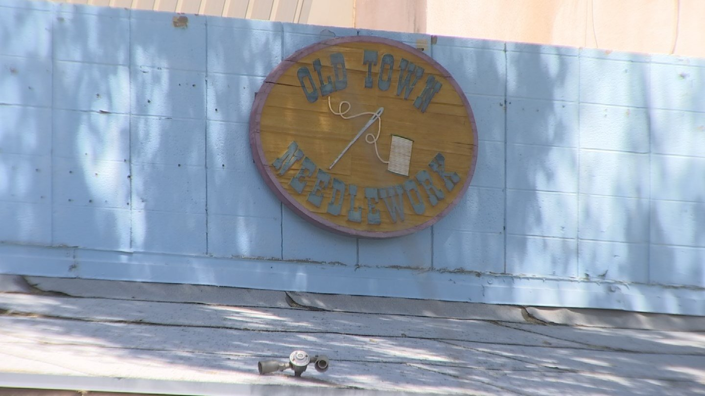 Old Town Needlework and Framing didn't finish the project (Source: KPHO/KTVK)