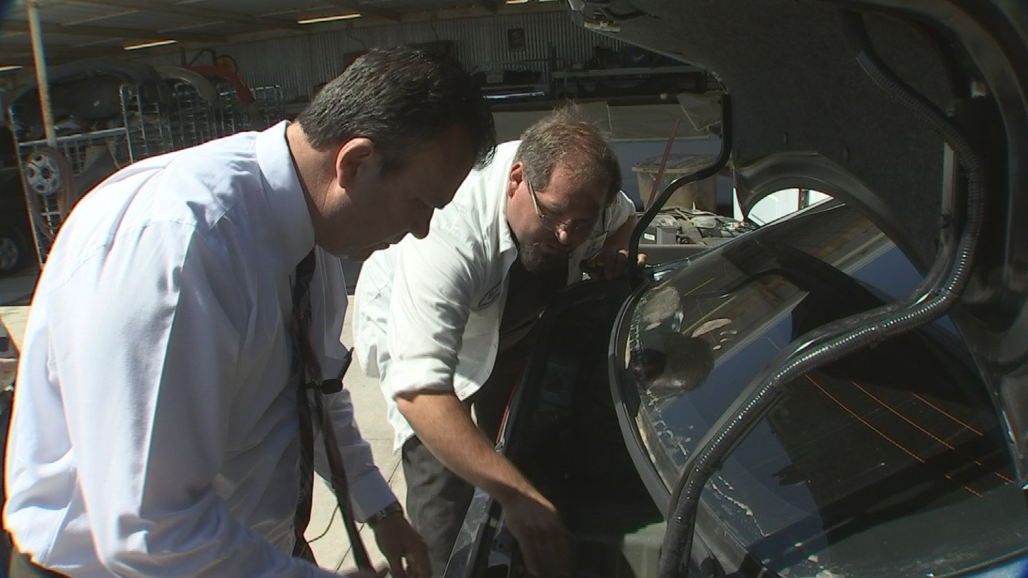 Car expert Matt Radman showed 3 On Your Side's Gary Harper some repairs he described as faulty. (Source: 3TV)