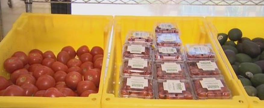 Fresh Express delivers fresh fruits & veggies (Source: KPHO/KTVK)