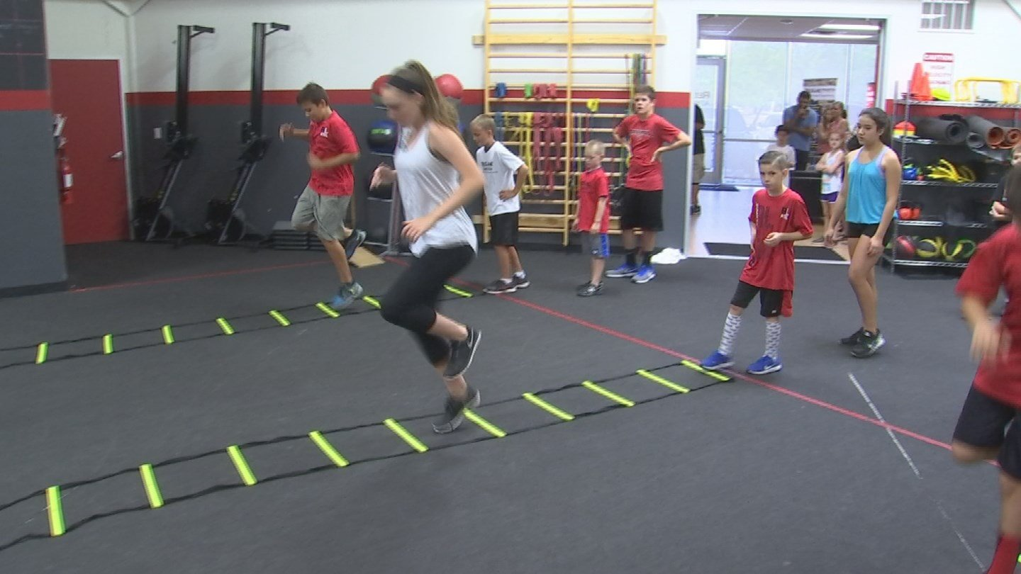 Redline Athletics trains students who are in elementary school to college. (Source: KTVK)