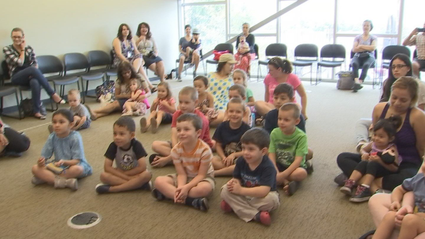 Mother Goose is part of the read program at Sam Garcia Library in Avondale. (Source: KPHO/KTVK)