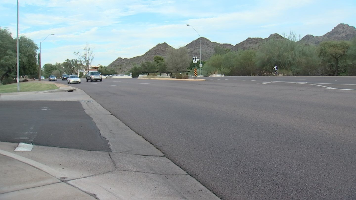 A doctor says there are too many serious crashes at a Phoenix intersection. (Source: KPHO/KTVK)