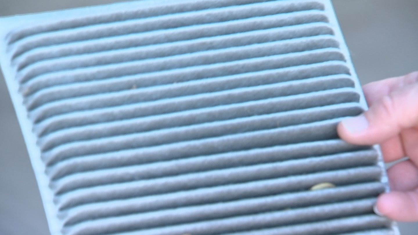 Replacing the cabin air filter regularly can prevent particles from damaging the engine.Replacing the cabin air filter regularly can prevent particles from damaging the engine. (Source: 3TV)