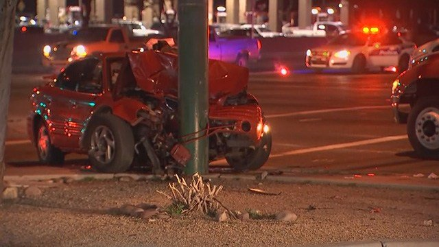 Driver crashes into pole during a police pursuit early Saturday morning. (Source: 3TV/CBS 5)