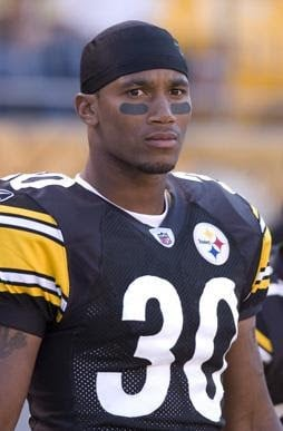 Lewis played for the Steelers. (Source: Roy Lewis)