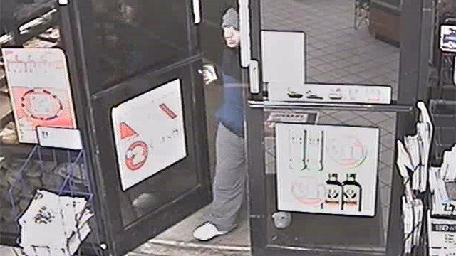 Sheriff's detectives need help identifying suspects in a Feb. 3 robbery at a Circle K in Fountain Hills. (Source: Maricopa County Sheriff's Office)