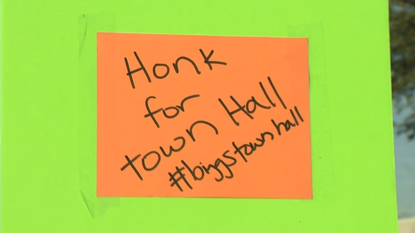 They claim  Biggs doesn't want to have a town hall. (Source: 3TV/CBS 5)
