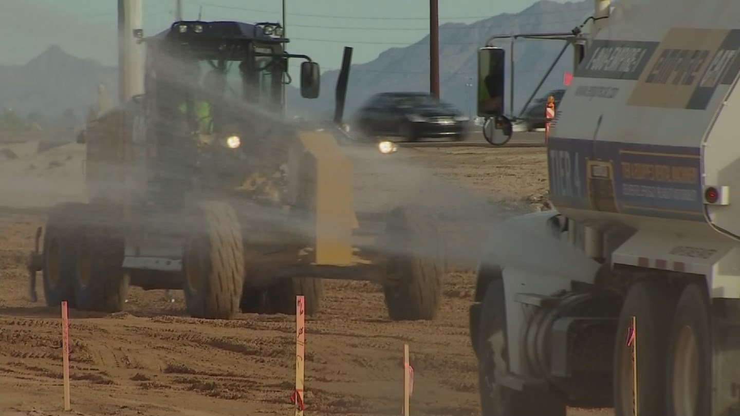 The Kyrene School District is doing what it can to keep students safe from the construction on the new Loop 202 extension. (Source: 3TV/CBS 5)
