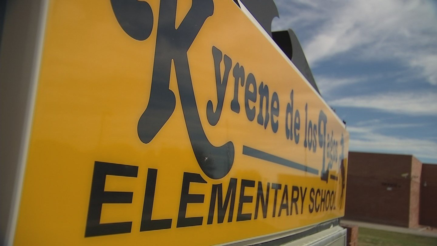 Kyrene De Los Lagos Elementary is the closest with only a chain link fence separating the playground from the construction zone. (Source: 3TV/CBS 5)