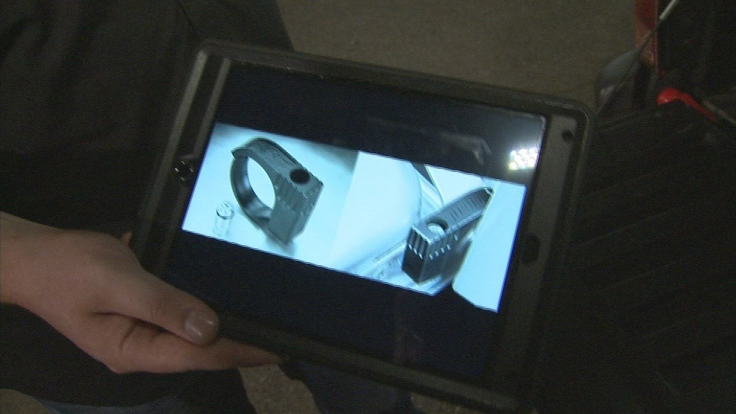 Police say you should get a lock for your tailgate. (Source: 3TV/CBS 5)