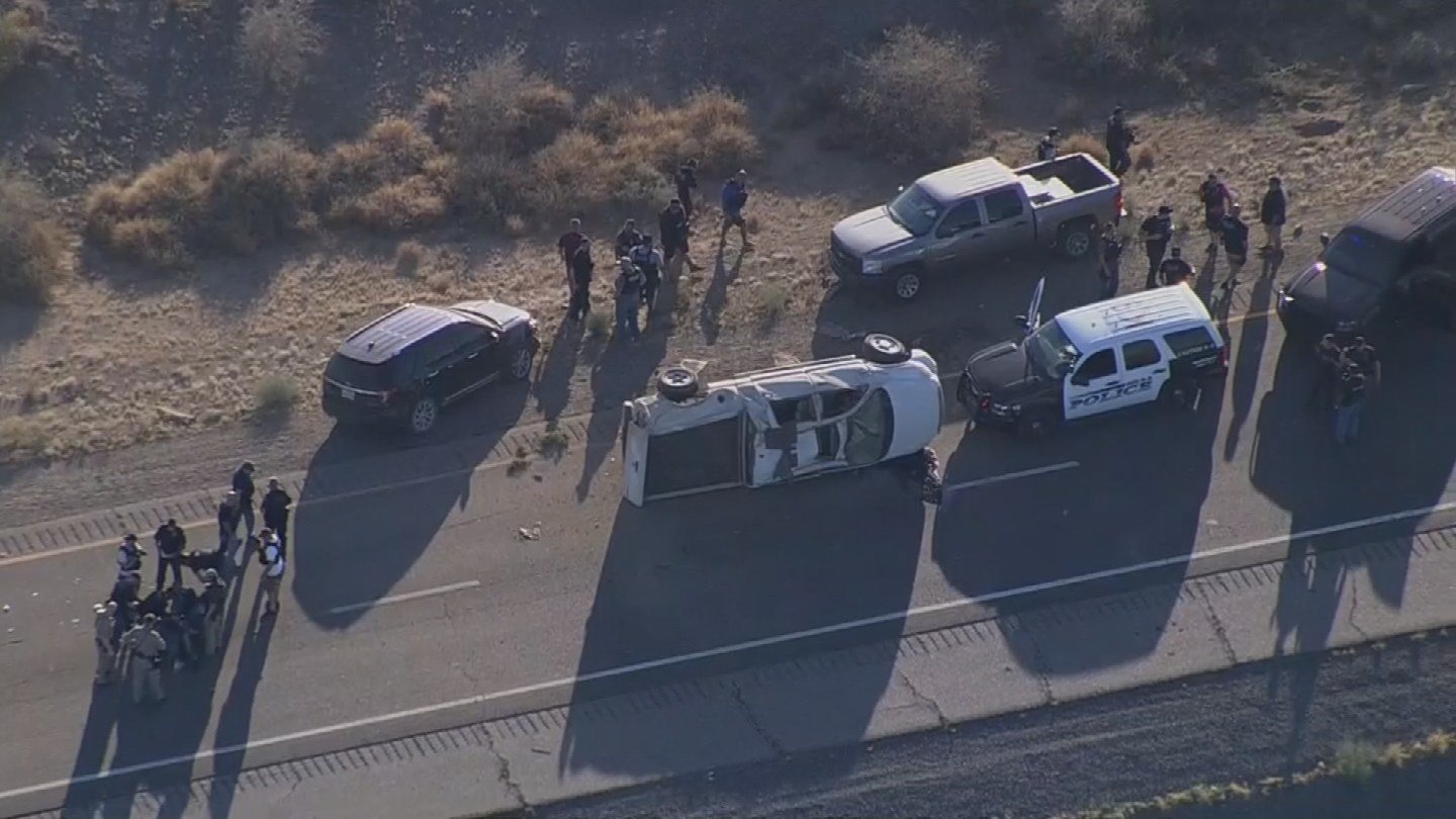 High-speed chase ended with crash on I-10 (Photo source: KPHO/KTVK)