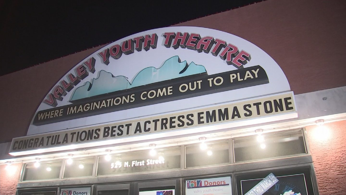 There was an Oscar watch party at the theatre group where Emma Stone got her start. (Source: 3TV/CBS 5)