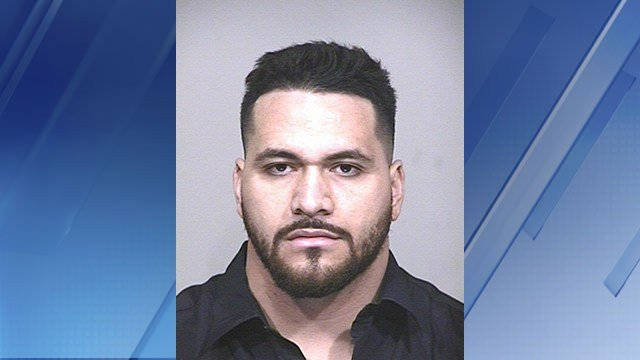 National Football League player arrested for assaulting driver, stealing golf cart
