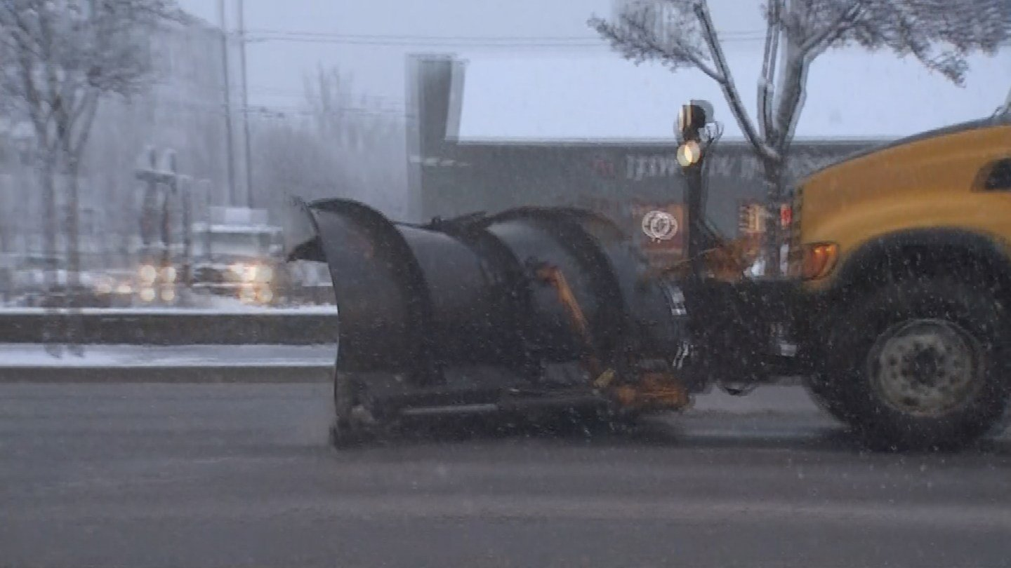 As the snow intensified, the plows came out in force. (Source: 3TV/CBS 5)