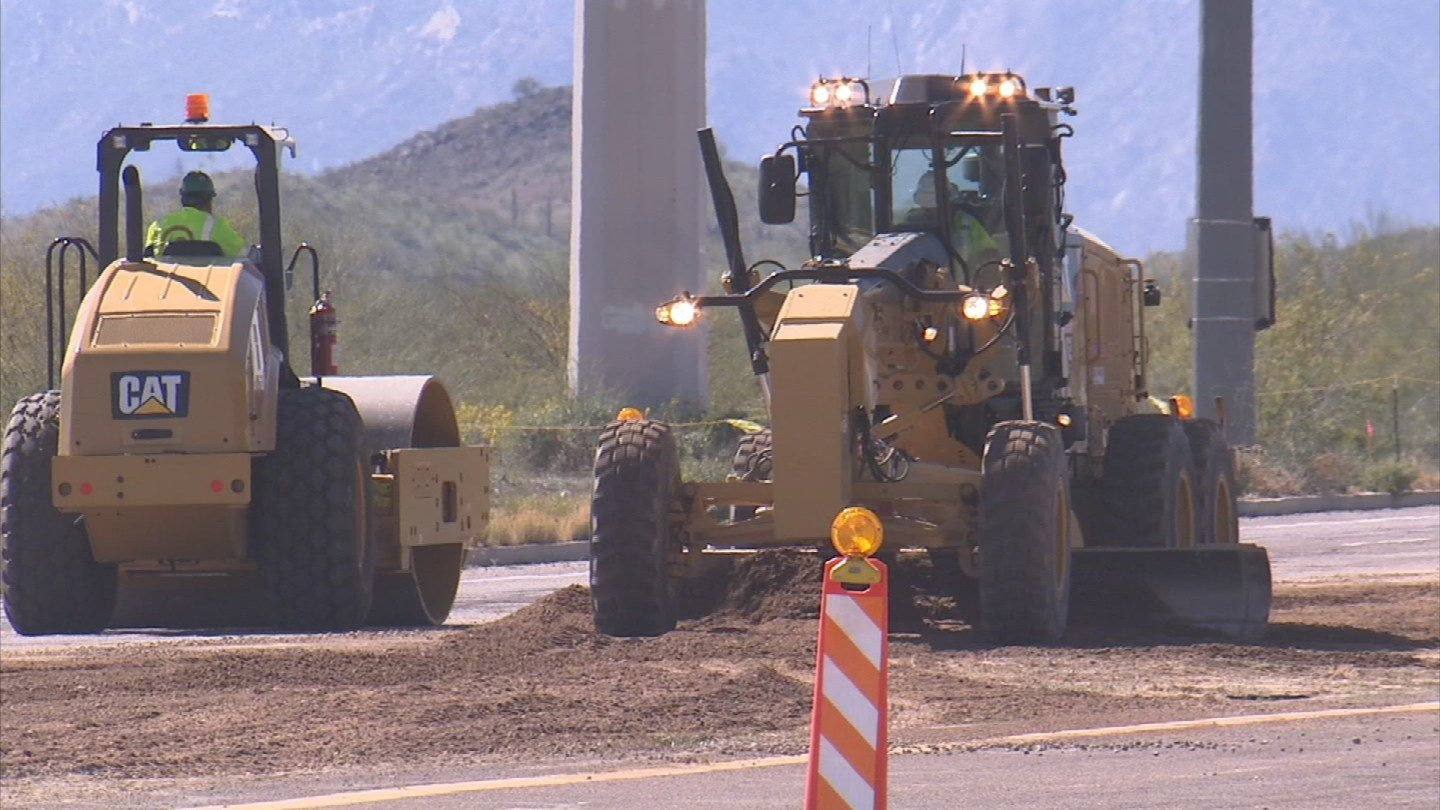 Some in Ahwatukee say the Loop 202 expansion construction is like living next an earthquake. (Source: 3TV/CBS 5)