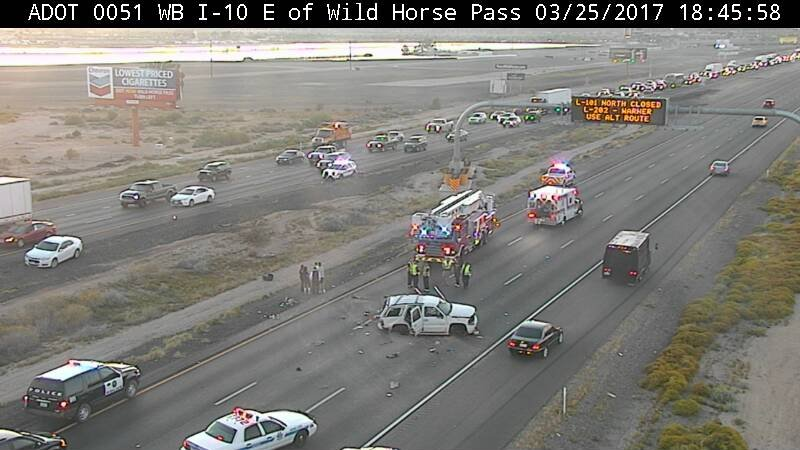 Eastbound lanes of I-10 near Wild Horse Pass where a rollover has closed the freeway.  25 March 2017 [Source: ADOT camera]