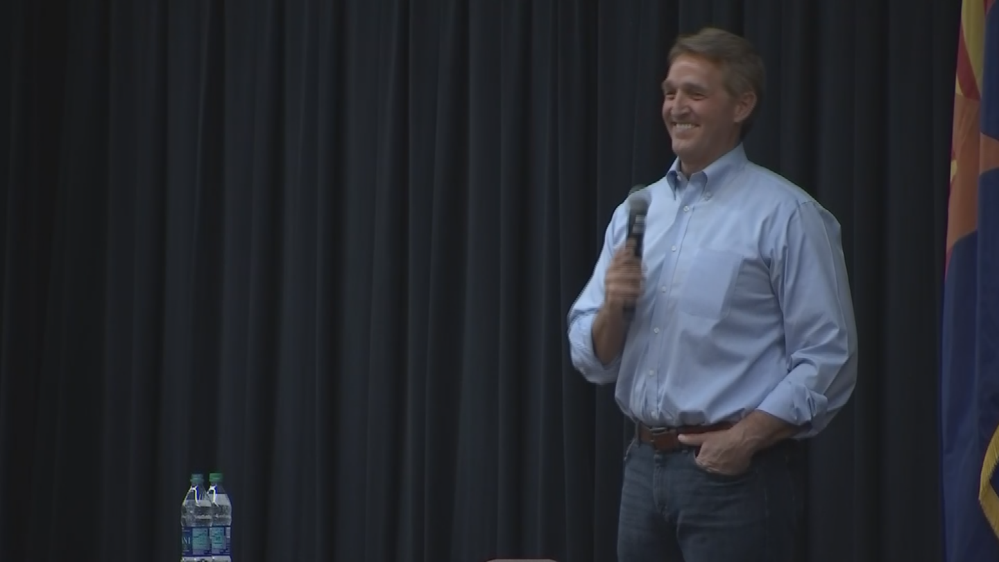 Flake stayed an extra hour at the town hall. (Source: 3TV/CBS 5)
