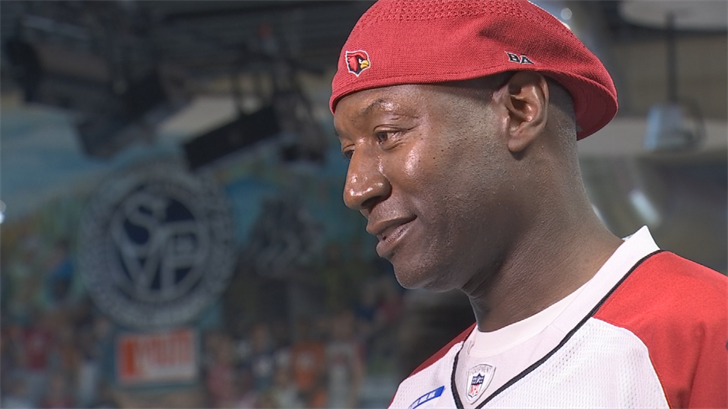 Former Arizona Cardinal Dr. Ray Perkins said he likes meeting new people at these types of events. (Source: 3TV/CBS 5)