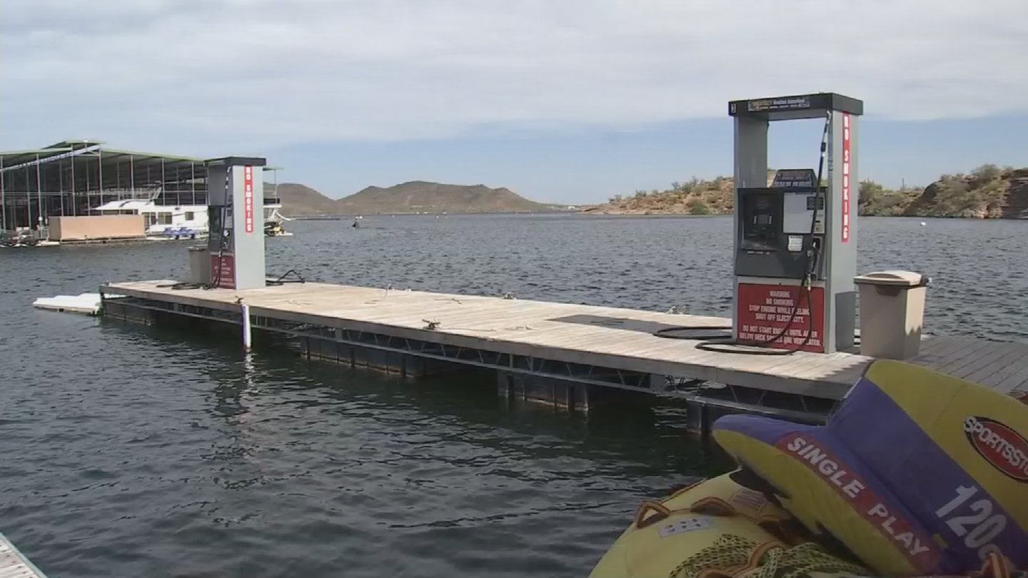 The boat's passenger had just finished filling up at the fueling station, when he went to start his ignition and that's when the flash explosion occurred. (Source: 3TV/CBS 5)