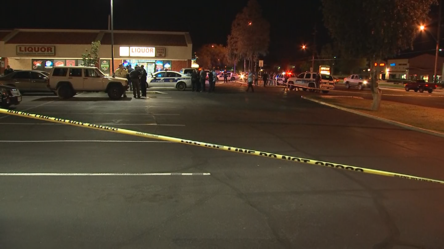 Police are investigating a deadly shooting in northwest Phoenix. (Source: 3TV/CBS 5)