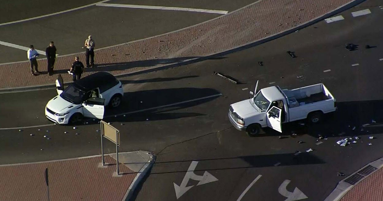 Scene of crash, double shooting at Loop 202 and McKellips in Mesa (Source: 3TV/CBS 5))