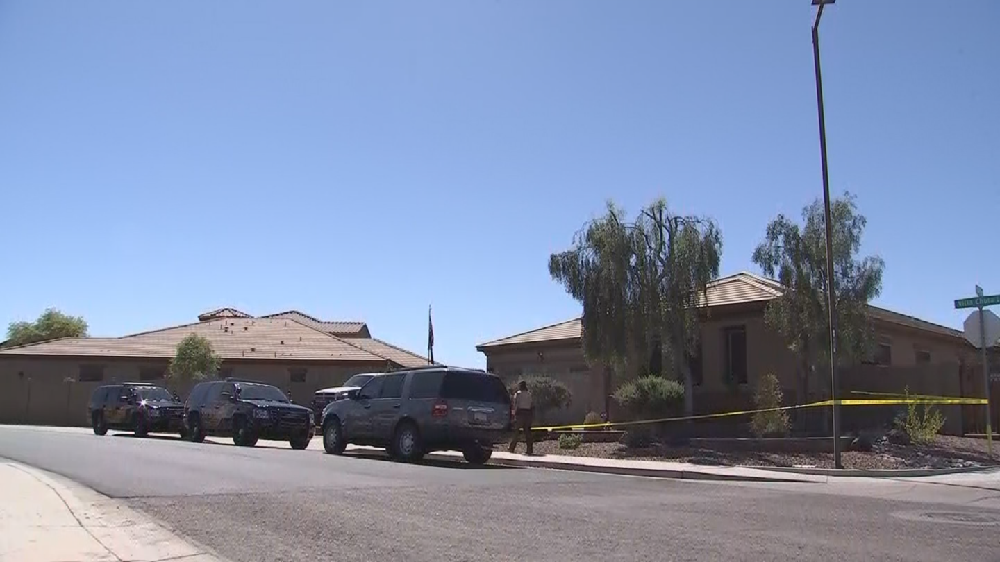 According to neighbors, the couple has two young kids, a boy and a girl. (Source: 3TV/CBS 5)