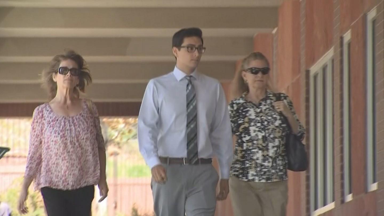 Steven Jones walking into court Tuesday (Source: 3TV/CBS 5)