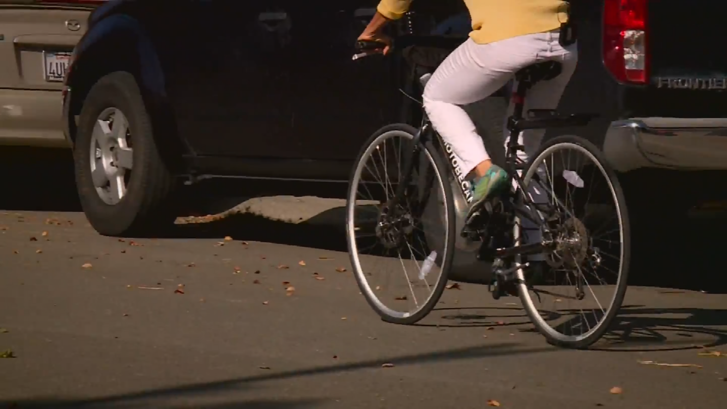 Under a new California bill, if the coast is clear, the bicycle rider can skip a full stop.(Source: CBS)