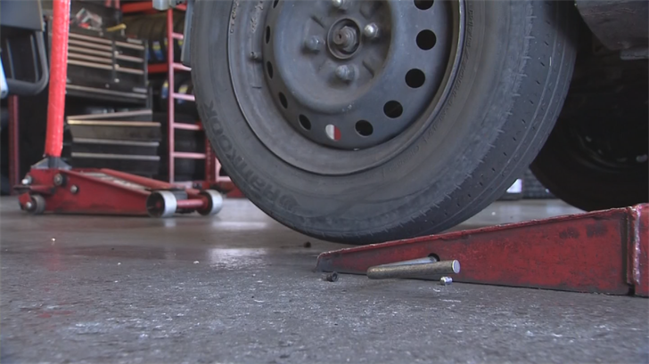 there are simple steps every motorist can take to make sure their tires are prepared for the heat. (Source: 3TV/CBS 5)