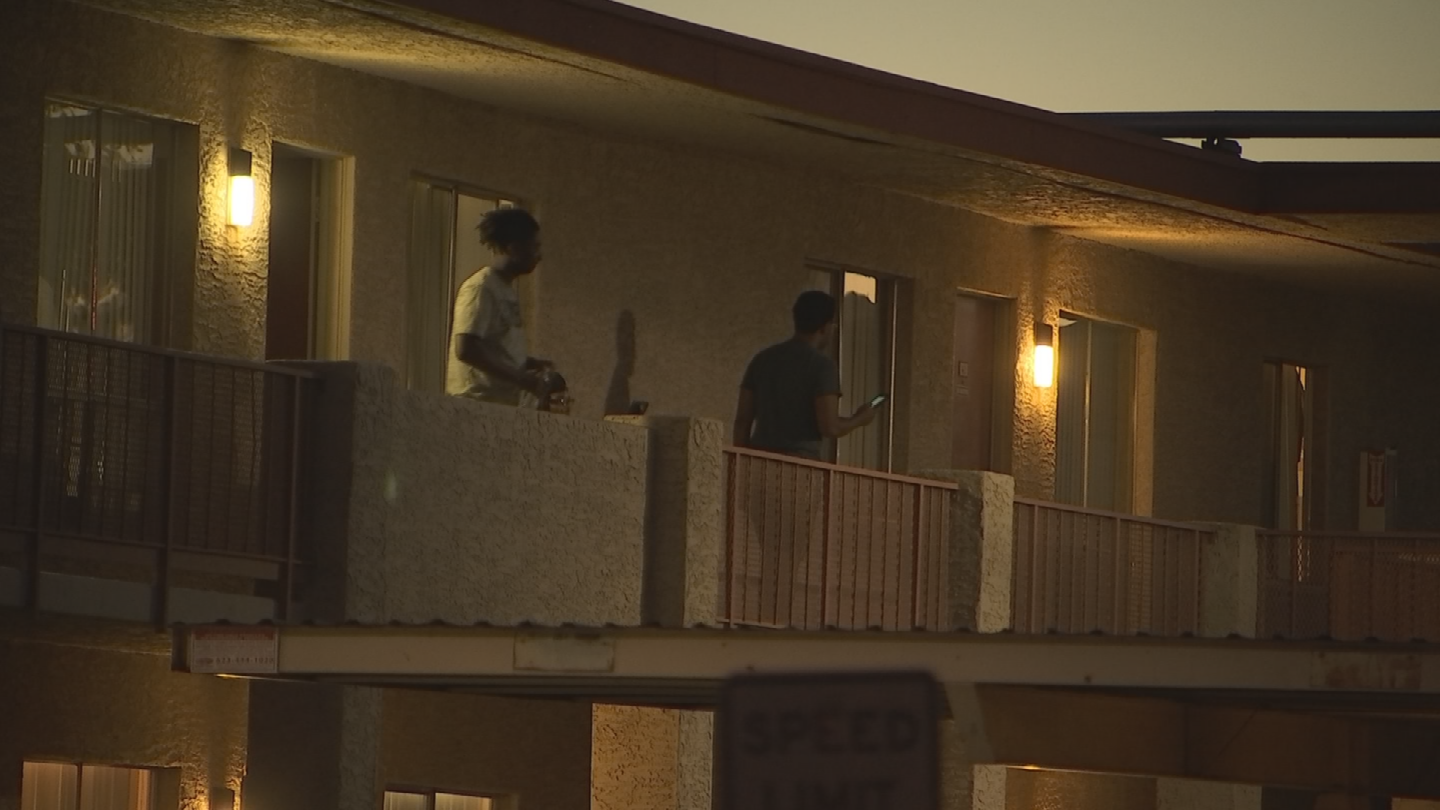 People were sweating it outside and inside at the Southern Garden Apartments. (Source: 3TV/CBS 5)