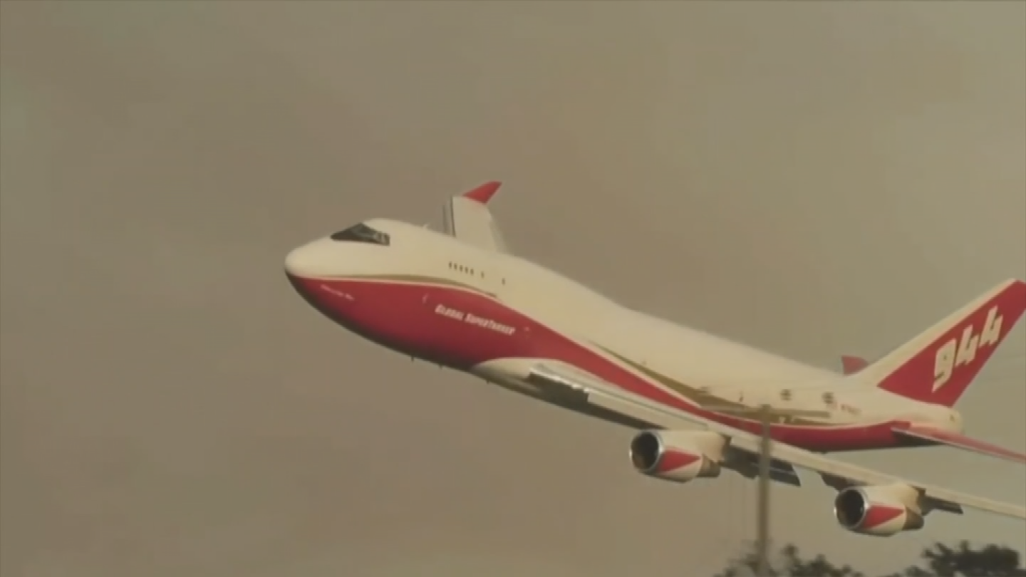 "A company called ""Global Supertanker"" is using a Boeing 747-400 jumbo jet to fight wildfires. (Source: 3TV/CBS 5)"