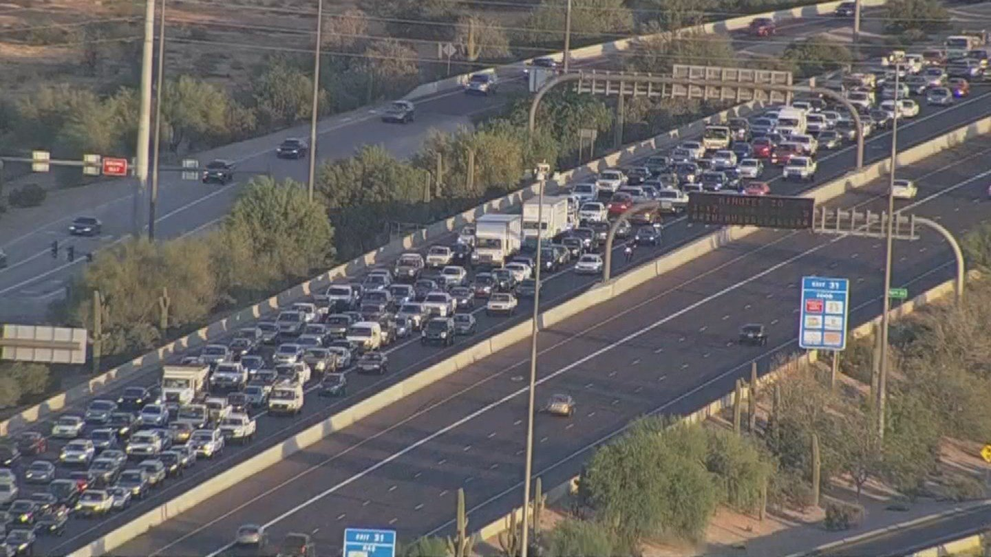 Aerial view of the backed up traffic on EB L-101 at Scottsdale Rd. (SOURCE: 3TV/CBS5)