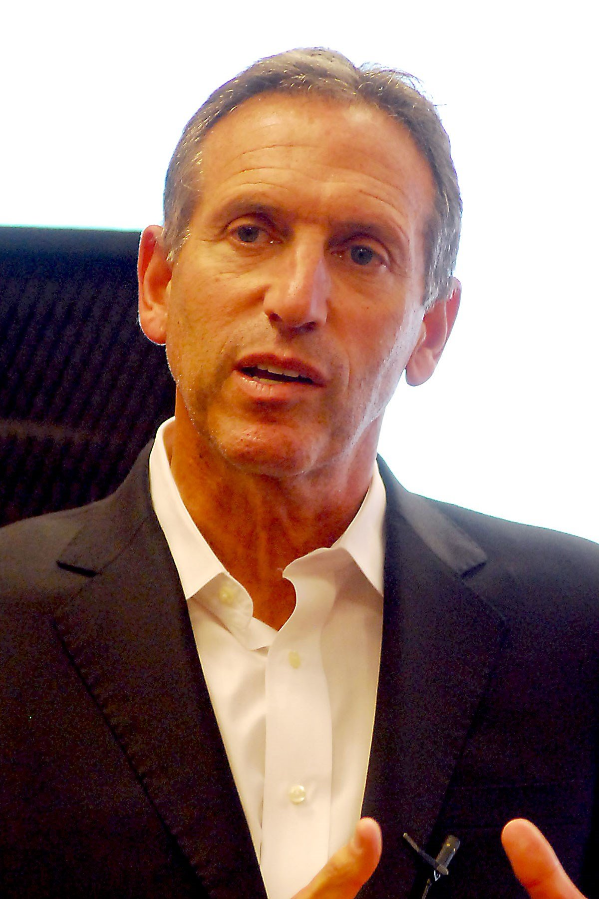 Howard Schultz in 2011. (Source: wikipedia.org/Adam Bielawsk)