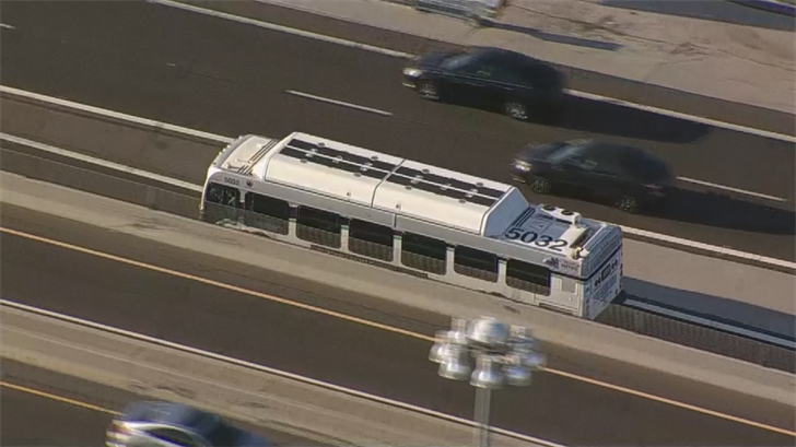 The bus for a time blocked the HOV lane at EB I-10 at the Loop 202 (SOURCE: 3TV/CBS5)