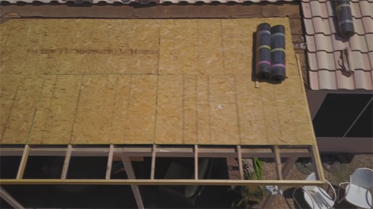Frances Nevarez and her husband says their patio roof has been unfinished for months. (Source: 3TV/CBS 5)