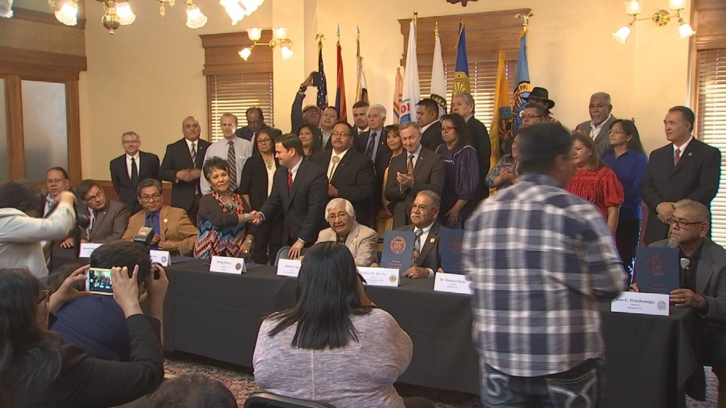 Tribal leaders gather on Monday, Nov. 21, 2016 to sign a new gaming agreement. (Source: 3TV/CBS 5)