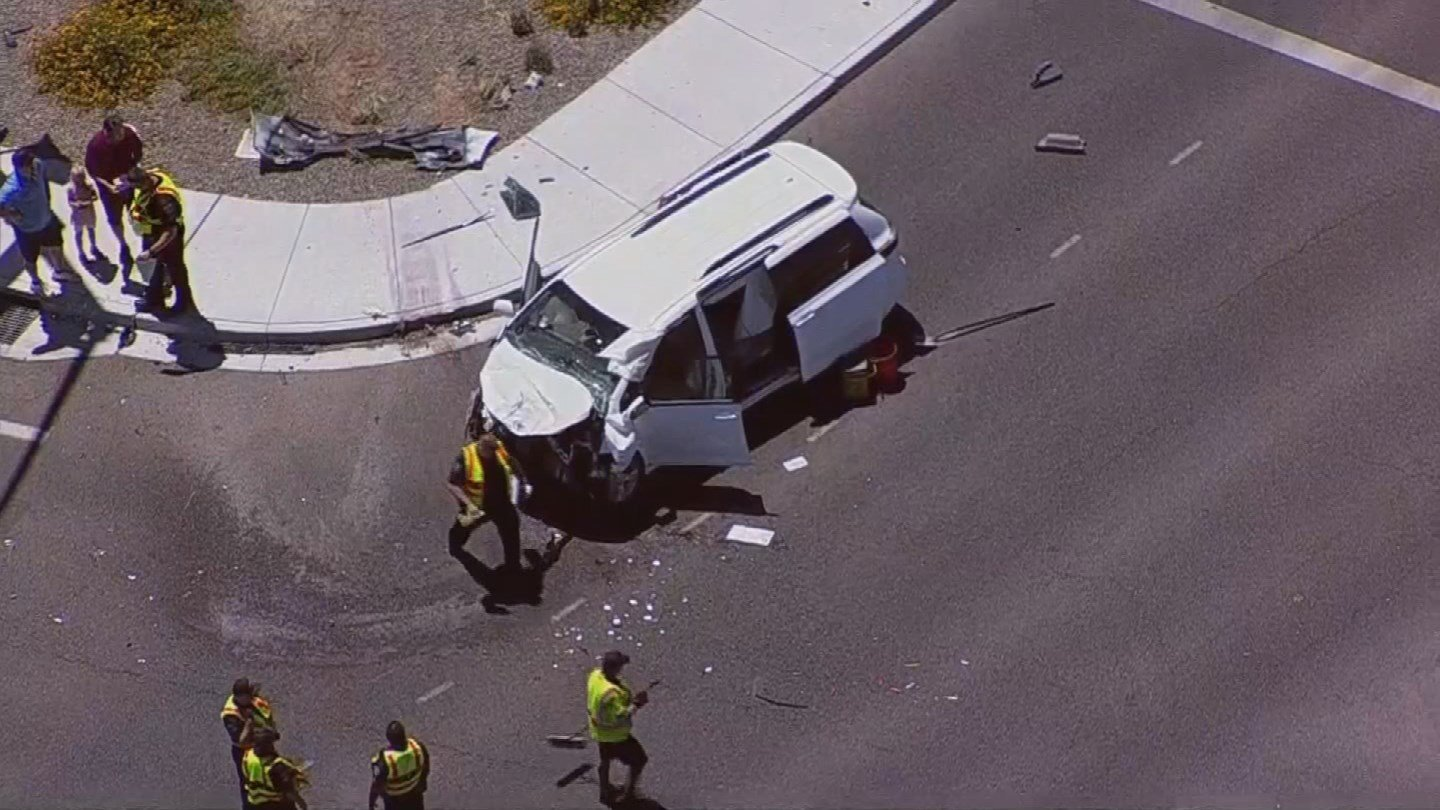 4 children were seriously hurt after an accident in Gilbert. (Source: 3TV/CBS 5)