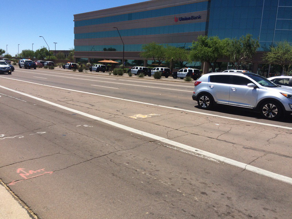 (Source: Juan Magana 3TV/CBS 5) Large police presence in response to stabbing in Tempe