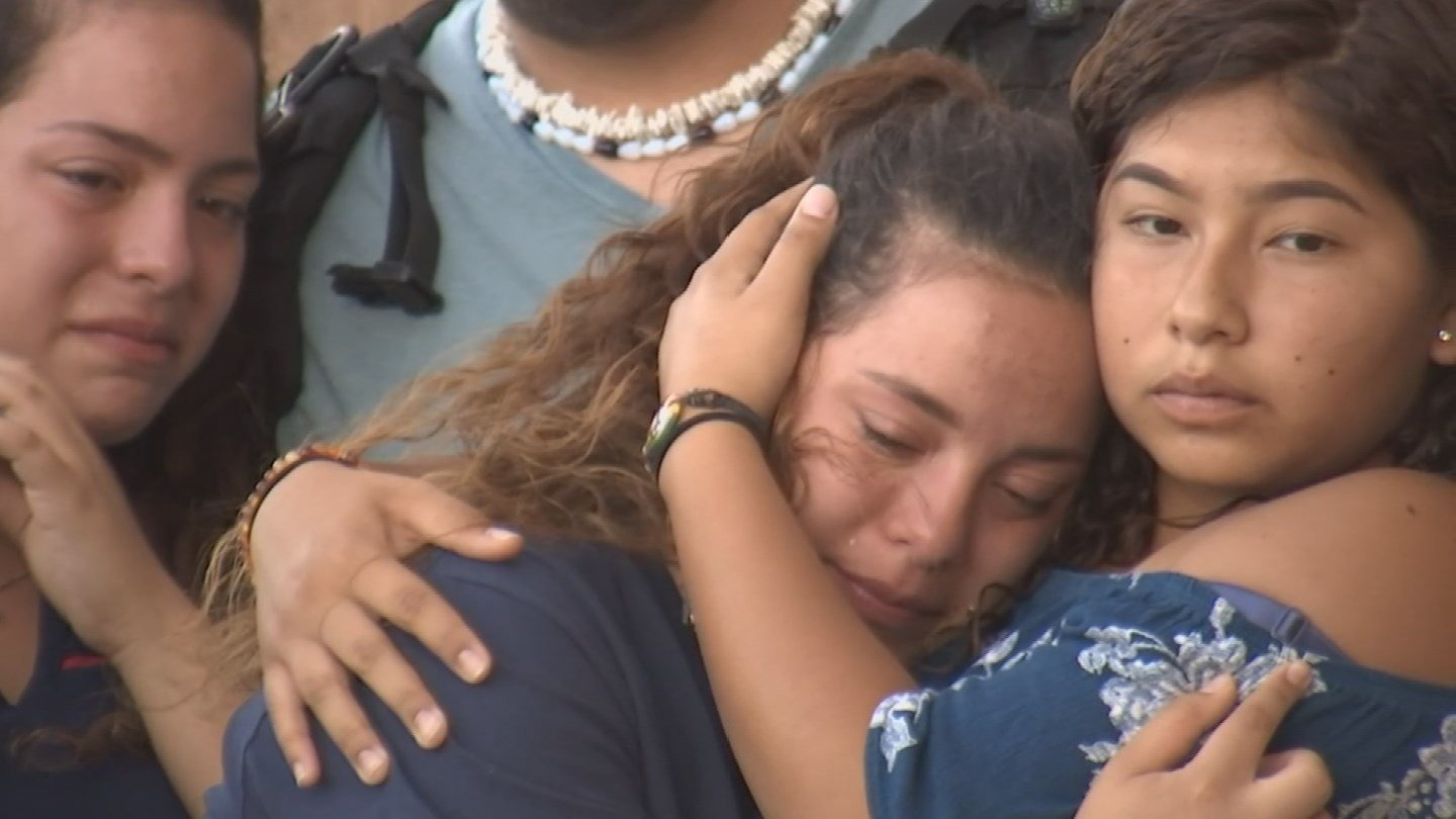 McClintock High School held a vigil for the slain teen Monday. (Source: 3TV/CBS 5)
