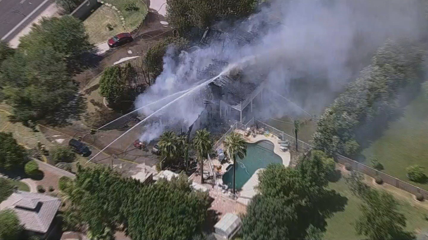 House fire in Mesa Friday afternoon near Val Vista and McDowell. (26 May 2017) [Source: 3TV / CBS 5]
