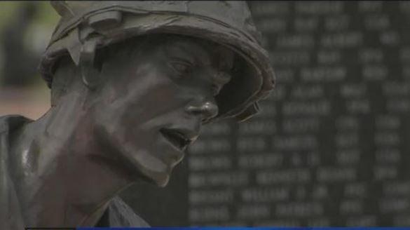 War memorial at Wesley Bolin Plaza, Phoenix. (29 May 2017) [Source: 3TV/CBS5]