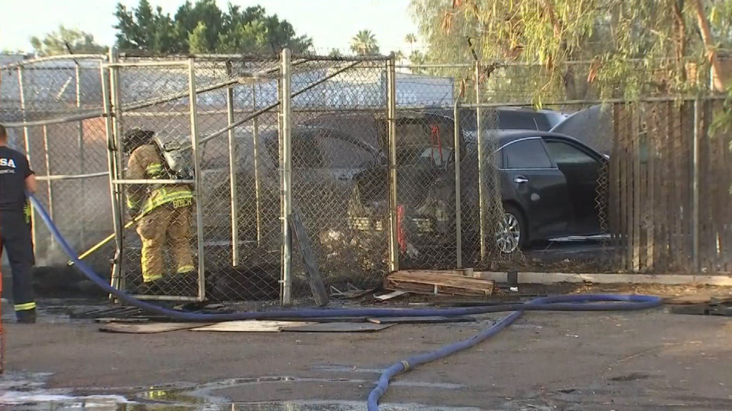 Mesa fire worked a multi-vehicle fire early Tuesday morning. (Source: 3TV/CBS 5)