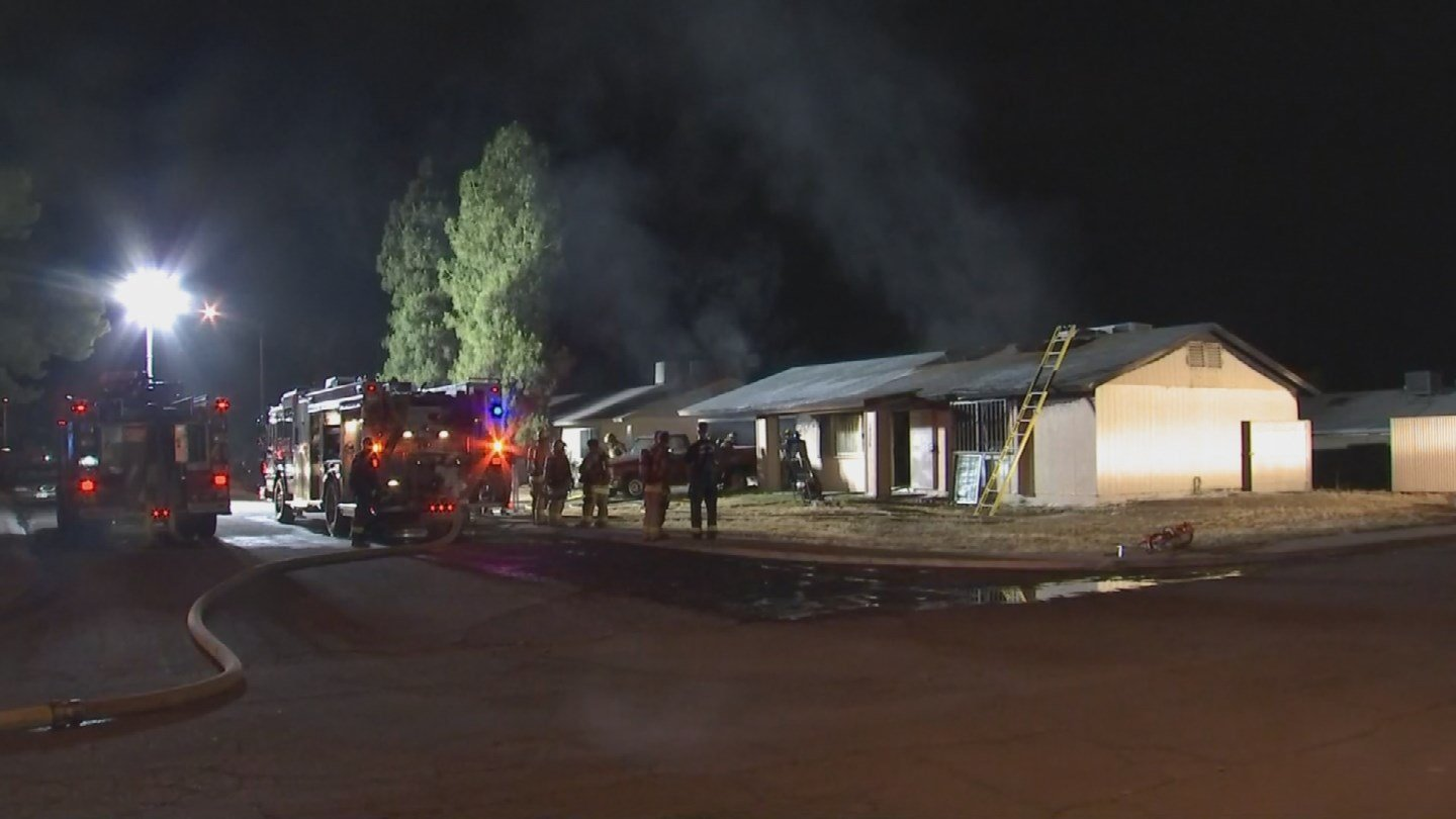 Just before dawn on Thursday, Bennett's home went up in flames. (Source: 3TV/CBS 5)