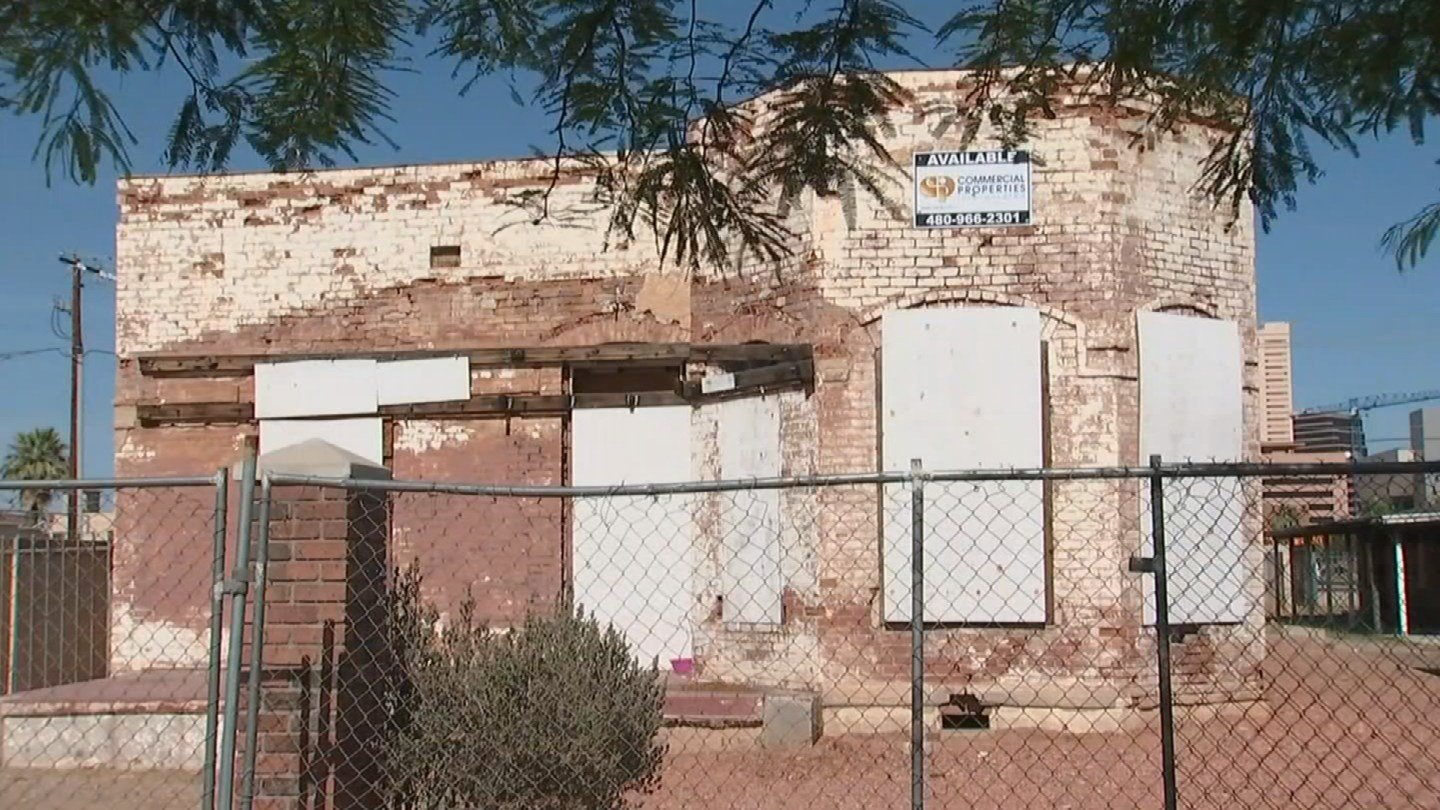 A 19th century home in Phoenix built Clinton Campbell faces demolition. (Source: 3TV/CBS 5)