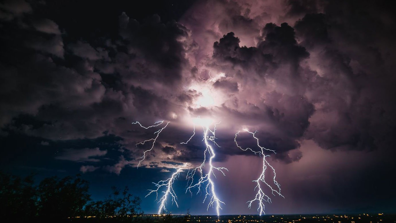 Lightning near Tucson (Lori Grace Bailey Photography)
