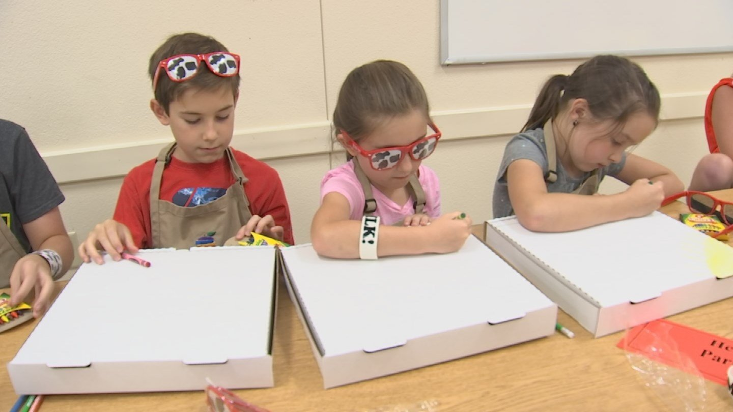 Kids also got to decorate their own personal pizza boxes. (Source: 3TV/CBS 5)