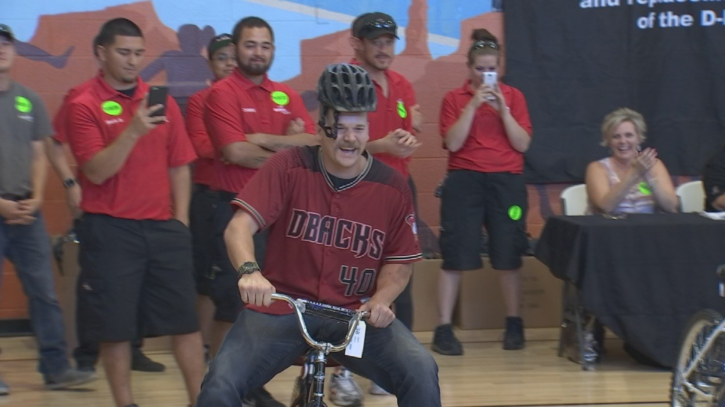 Diamondbacks players delivered new bicycles to the Boys and Girls Club. (Source: 3TV/CBS 5)
