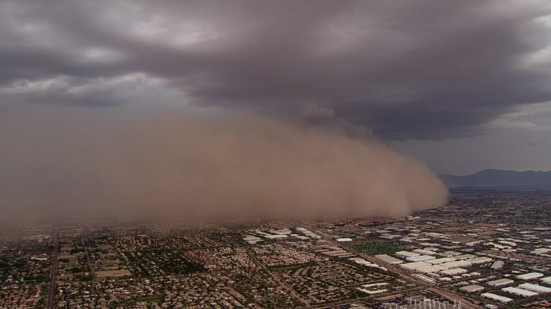 Dust storm rolling into Phoenix