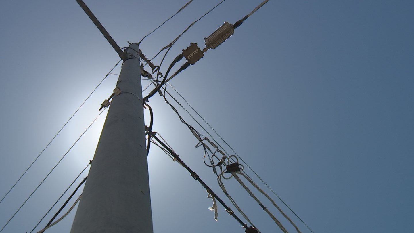 On a 100-degree day, APS says all of its customers use about 4,500 megawatts of power at any given moment. (Source: 3TV/CBS 5)